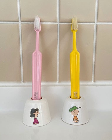 chalie & lucy toothbrush holder set